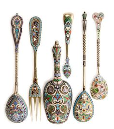 6 RUSSIAN SILVER AND ENAMELED UTENSILS : Lot 361