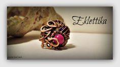 Anello in rame e perle di agata colorata
