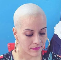 Bald Women, Shaving Razor, Bald Heads, Shaved Head, Girl Short Hair, Androgynous, Your Skin, Hot Girls, Short Hair Styles