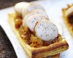 Puff pastry with white pudding and fig chutney - Recipes - Florette Narraway Fig Chutney Recipe, Chutney Recipes, Party Entrees, Christmas Brunch, Cooking Time, Food Hacks, Great Recipes, Breakfast Recipes, Food Porn