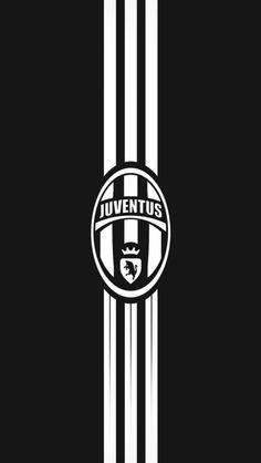 Mi equipo favorito es juventus porque mi familia vive en Italia. Me encanta paul pogba y Paulo dybala.