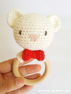mis nancys, mis peques y yo, sonajero mordedor amigurumi osito y conejita, patr?n gratis, detalle osito Animal Knitting Patterns, Crochet Patterns Amigurumi, Crochet Chicken, Tiny Bunny, Crochet Octopus, Cat Amigurumi, Diy Crafts To Do, Mini Dogs, Amigurumi Tutorial