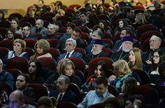 El presidente Serzh Sargsyan, Presidente de la Comisión Estatal de Coordinación de los eventos dedicados al 100 aniversario del Genocidio Armenio asistido a la proyección de la película La Corte.