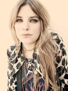 Juliet Simms, blonde.