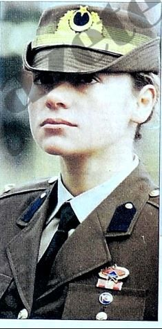 first woman COMMANDO Tülin Tepedeldiren Related posts:How to Volume HairBraided Hairstyles Tutorial - Step By Step Guidelines -Light-up pedestrian crossing Female Pilot, Female Soldier, Turkish Soldiers, Turkish Military, Captain Hat, Tulum, History, Purple, Beautiful