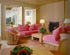 The Auberge du Soleil Resort located in Napa Valley guest rooms. Famous Interior Designers, Interior Design Tips, French Furniture, Home Furniture, Couch Makeover, Vintage Interiors, Living Room Inspiration, Beautiful Interiors, Room Decor