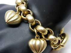 Puffed Heart Charm Bracelet Gold Tone Open Link Chain Oversize Clasp Teamvintageusa ecochic team