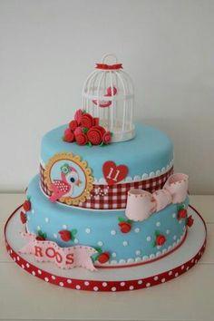 ... cakes on Pinterest  Thomas train cakes, Cake tutorial and Ruffle cake