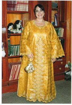 Et me voici dans ma belle robe de mariée traditionnelle !!! Quelles astuces pour organiser votre mariage sur http://yesidomariage.com