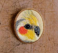 parrot - handmade brooch