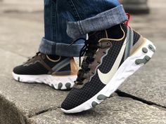 [Avis] Que vaut la Nike React Element 55 Escape Exclusivité Size? Casual Sneakers, Air Max Sneakers, Shoes Sneakers, Nylons, Nike Air Max, Basket Nike, Shoes Too Big, Air Max 270, Types Of Shoes
