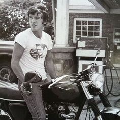 young Bruce Springsteen