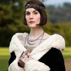 Michelle Dockery, aka Lady Mary Crawley, spills on the forthcoming Downton Abbey movie. Downton Abbey Characters, Downton Abbey Costumes, Downton Abbey Fashion, Downton Abbey Season 6, Downton Abbey Series, Lady Mary Crawley, Michelle Dockery, Maggie Smith, Romance