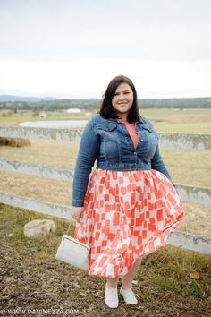 aussie curves plus size fashion blogger outfit australian curvy coral COUNTRY