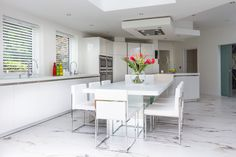 Incorporating a casual dining area at the end of the breakfast bar Corian Worktops, Cooking For A Crowd, Centre Pieces, Architect Design, Dining Area, Kitchen Ideas, Slg, House, Furniture