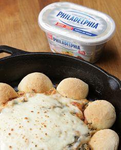 Anel de Pão de Queijo com Dip de Cream Cheese