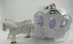 Artesanias Kartenzauber: Hochzeitskutsche ganz in weiß......
