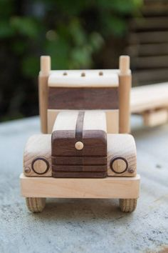 Items similar to Wooden truck rangefinder on Etsy Wooden Pallet Projects, Small Wood Projects, Wooden Pallets, Wooden Toy Trucks, Wooden Car, Wooden Boxes, The Plan, Peterbilt, Wood Toys