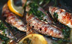 MyFish - Szardíniák grill serpenyőben, tárkony-citromos petrezselymes olvasztott vajban sütve, friss fehér kenyérrel tálalva