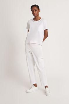 Fabiana Filippi Damen T-Shirt mit Glitzerborte Weiss | SAILERstyle Jumpsuit, Normcore, Jersey, Dresses, Style, Products, Fashion, Ponchos, Knit Jacket