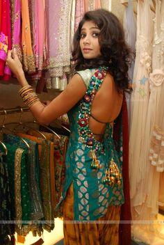 Open back salwar kameez <3