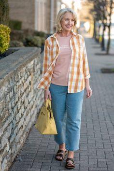 Casual Spring Look for women over 50 - spring styles over 50 - over 50 casual look - styling straight leg jeans - styling full leg jeans Spring Looks, Spring Style, Spring Summer, Rose T Shirt, Summer Denim, Fashion Over 50, Comfortable Outfits, Casual Looks, Spring Fashion