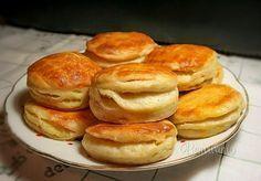 Tento recept mám veľmi rada, pretože je lacný a zemiakové pagáče sú nielen… Vegetable Pancakes, Potato Vegetable, Slovak Recipes, Czech Recipes, Sweet Recipes, Cake Recipes, Creative Food, Bread Baking, I Love Food