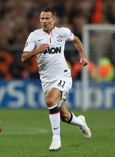 Giggs makes a record 145th appearance in the UEFA Champions League.