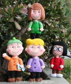One Felt Peanuts Felt Craft Dolls Snoopy Charlie Brown