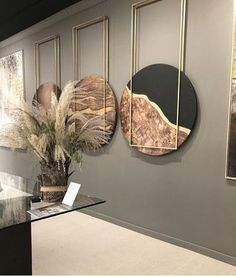 Amazing monochrome round wall art decor for the stylish interior of modern loving room - Home decor interests Diy Interior, Decor Interior Design, Interior Decorating, Stylish Interior, Interior Columns, Decorating Ideas, Art Furniture, Furniture Design, Wooden Furniture