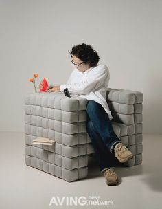 [세계의 디자인 가구] ⑥ 다이스케 모토기가 디자인한 'Lost in Sofa'