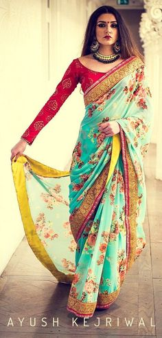Saris are the most basic Indian wear outfit for women. Nowadays there are many ways to wear a saree. Here are 5 latest saree styles for women. India Fashion, Ethnic Fashion, Saree Fashion, Tokyo Fashion, London Fashion, Fashion Fashion, Fashion Outfits, Indian Dresses, Indian Outfits
