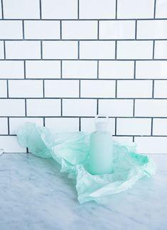 are those navy grout on white subway tiles? Blue Subway Tile, Blue Tiles, White Tiles, Kitchen Wall Tiles, Kitchen Backsplash, Bathroom Colors Blue, Coloured Grout, Blue Kitchen Decor, Modern