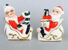 Vintage Lefton Santa & Mrs Claus Riding In Sleighs Salt & Pepper Shakers 314N