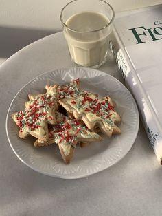 Think Food, Love Food, Christmas Feeling, Cozy Christmas, Christmas Time, Un Cake, Christmas Sugar Cookies, Christmas Sprinkles, Aesthetic Food