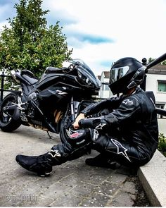 The Hard, the - Bicicletas y ciclistas - # of # Hard # - Auto/ Motorrad - Motocicletas R1 Bike, Gp Moto, Motorcycle Suit, Bike Photoshoot, Auto Motor Sport, Motorcycle Photography, Zx 10r, Hot Bikes, Super Bikes