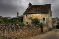 Old house in a old village (France) - Pixdaus