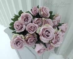 Winter wedding bouquets gold 30 Ideas for 2020 Purple Wedding Bouquets, Diy Wedding Bouquet, Diy Wedding Flowers, Diy Wedding Decorations, Diy Wedding Bar, Card Box Wedding, Gold Wedding, Wedding Ideas, Diy Wedding Supplies