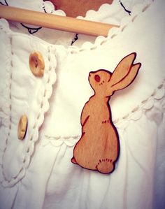 Wooden Boo Brooch. Love the wooden buttons x