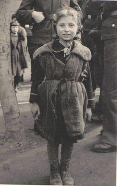 Warsaw Jewish girl