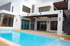 Maison/villa - 3 chambres - 297m²