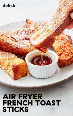 no need to skip breakfast with these easy air fryer french toast sticks. Get the recipe from .There's no need to skip breakfast with these easy air fryer french toast sticks. Get the recipe from . Air Fryer Recipes Snacks, Air Fryer Recipes Low Carb, Air Fryer Recipes Breakfast, Air Frier Recipes, Air Fryer Dinner Recipes, Snack Recipes, Easy Recipes, Nutella Recipes, Pizza Recipes