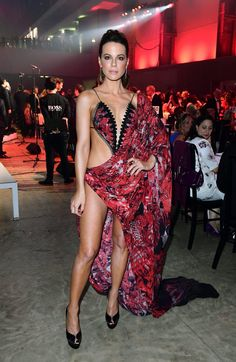Kate Beckinsale – GQ Men of the Year Awards 2018 in Association with Hugo Boss held at The Tate Modern in London, UK. Hottest Female Celebrities, Beautiful Celebrities, Sexy Outfits, Sexy Dresses, Chris Hemsworth, Kate Beckinsale Pictures, British Costume, Gq Men, John Legend