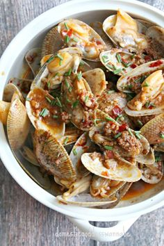 Stir-Fried Flower Clams With Garlic And Chili Bean Sauce
