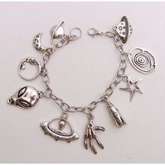 Alien Charm Bracelet, UFO Bracelet, Alien Jewelry, I Want to Beilieve,... (84 BRL) ❤ liked on Polyvore featuring jewelry, bracelets, charm bracelet bangle, charm bracelet, silver jewelry, silver charms jewelry and silver charm bangle