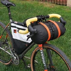 The Barjam is a bikepacking harness designed to excel on the most technical singletrack descents while protecting your brake, shifter, and dropper lines. Touring Bicycles, Touring Bike, Mtb, Mountain Bike Tour, Cargo Bike, Bike Seat, Bicycle Accessories, Bike Design, Road Bike