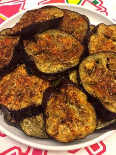 Spicy Garlic Oven Roasted Eggplant Slices Recipe is part of Roasted eggplant slices These spicy garlic eggplant slices are so delicious! Oven roasted to perfection, each bite is bursting with flavor - Roasted Eggplant Slices, Spicy Eggplant, Eggplant Dishes, Roast Eggplant, Baked Eggplant Recipes, Aubergine Oven, Oven Baked Eggplant, Cooking Eggplant, How To Bake Eggplant
