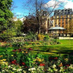 #spring #printemps #springinparis #paris #jardin #loveparis #discoverparis #travel #tourism #milenaguideparis #пролет #париж #guideparis #parisguide #instaspring #parispics