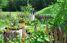 Edible Landscaping: Growing Vegetables in Your Flower Garden   jardin potager   bauerngarten   köksträdgård