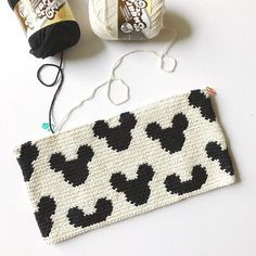 Mickey Zipper Pouch – stuff steph makes Tapestry Crochet Patterns, Crochet Purse Patterns, Crochet Clutch, Crochet Purses, Crochet Stitches, Best Leather Wallet, Handmade Leather Wallet, Tapestry Bag, Single Crochet Stitch